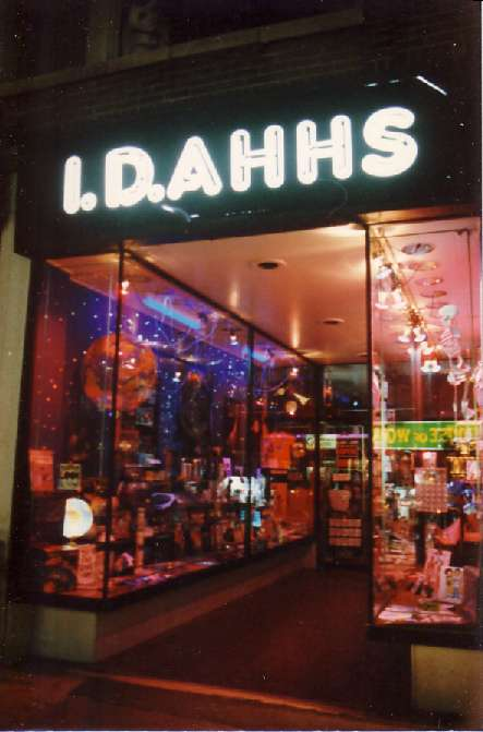 I.D.Ahhs (Ideas) 1st Store in Montreal, Night View